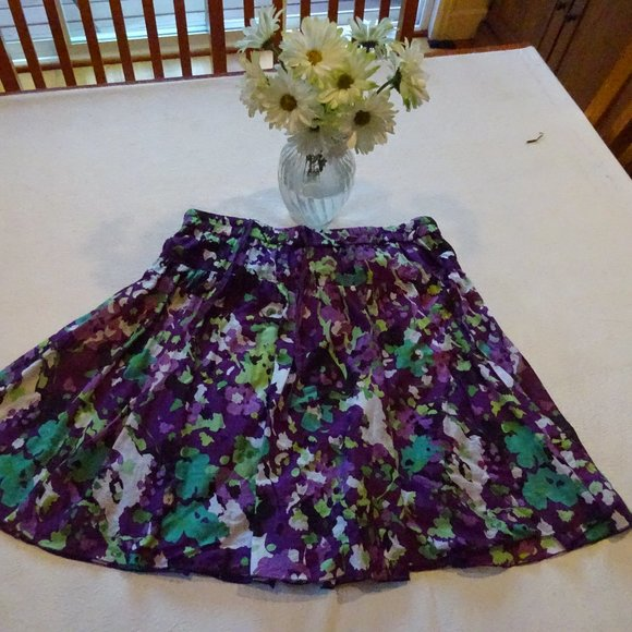Old Navy Dresses & Skirts - Old Navy Purple Skirt size L floral pattern